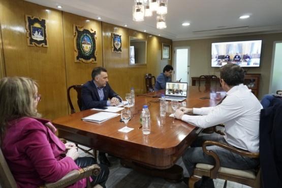 Santa Cruz firmó acuerdo del Fondo Fiduciario para el Desarrollo Provincial
