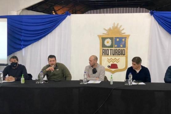 """Gómez Bull: """"Es fundamental llegar a todos los pueblos y localidades"""""""