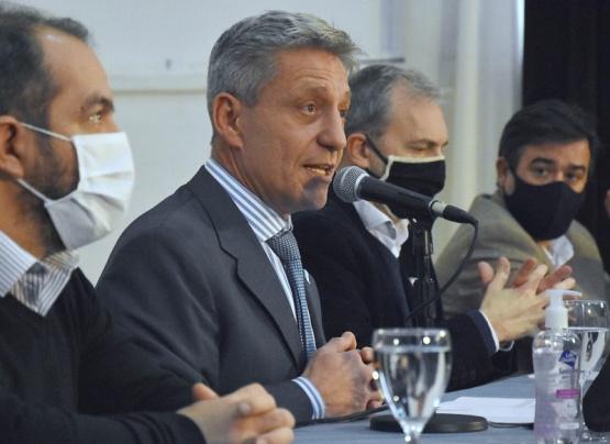 Arcioni confirmó que se completa el pago a jubilados del tercer rango