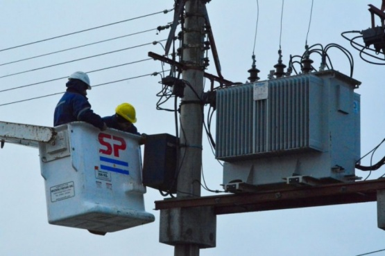 Servicios Públicos trabaja en reparación y sustitución de luminarias