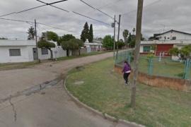 Vecinos prendieron fuego la casa a un presunto violador y murió quemada su pareja