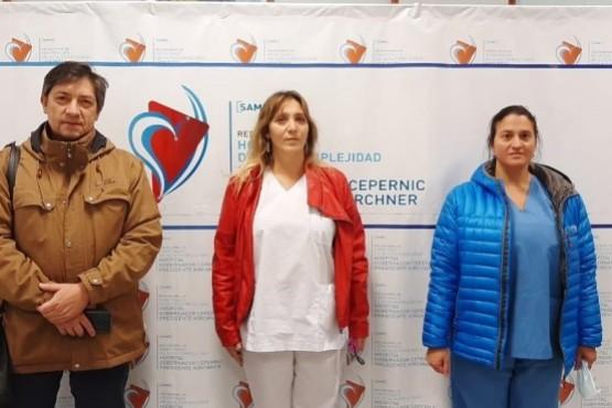 De Cristófaro (centro) junto al director ejecutivo Dr. Osvaldo Cordano y la directora médica Viviana Bruno.