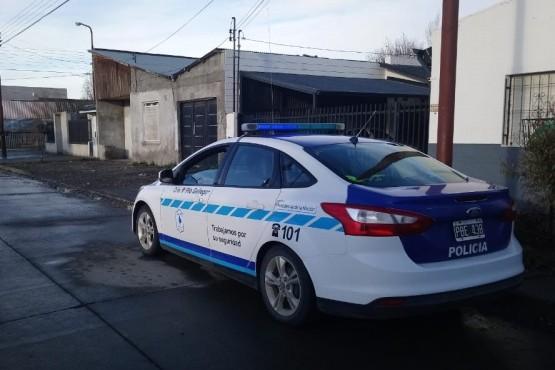 Custodia policial en el lugar del hecho (Foto C.R.)