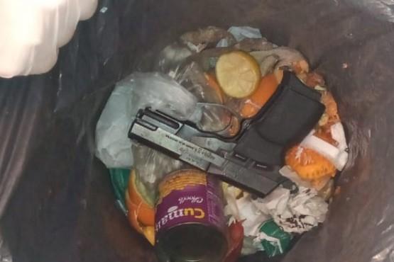 Secuestraron arma en allanamiento por una casa baleada el Día del Padre