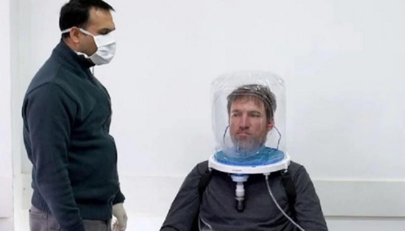 Argentinos crean un casco que liberará respiradores