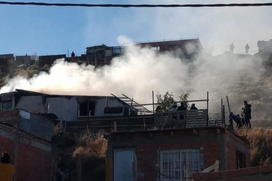 Grave incendio en una vivienda