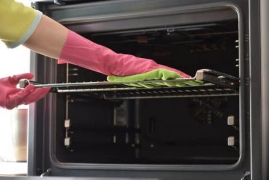 Cómo limpiar un horno eléctrico en pocos minutos