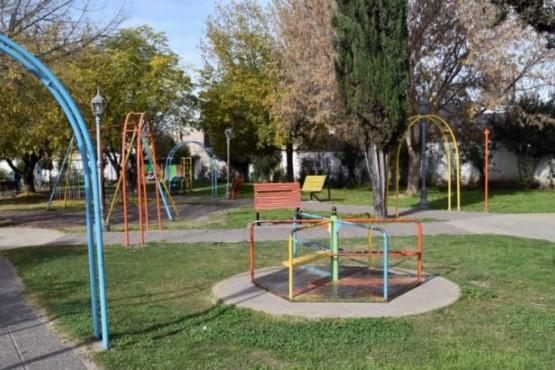 Un hombre de 68 años violó a una niña que se quedó sola en la plaza
