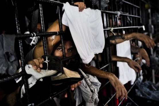 Pidieron cajeros en la cárcel para que los presos cobraran el IFE