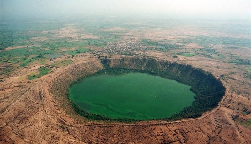 La NASA logró captar el impresionante cambio de color de un lago