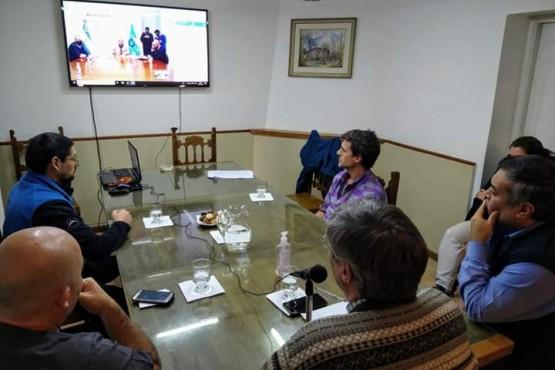 Coordinan implementación de las nuevas medidas de distanciamiento en Esquel