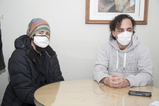 Los socios de la cooperativa Nehuen, Miguel Ángel Morales y Lucas Cabral