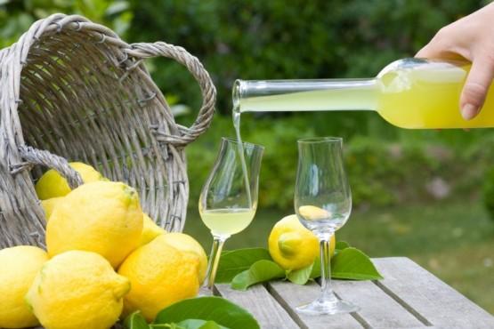 Cómo preparar el clásico limoncello italiano en casa