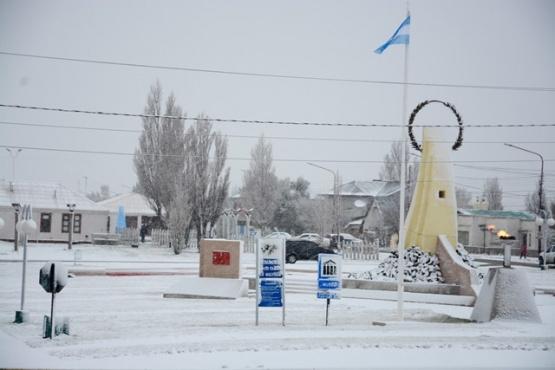 Nevó toda la madrugada y Río Gallegos se cubrió de blanco