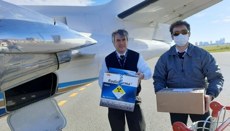 Concretaron operativo aéreo para el traslado de reactivos y medicamentos a la provincia