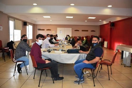 La paritaria se realizó nuevamente en la sede de Fomicruz. (Foto: C.R.)