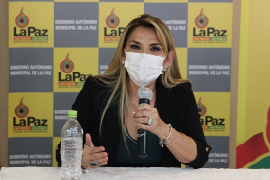 La presidenta interina Jeanine Áñez tiene coronavirus