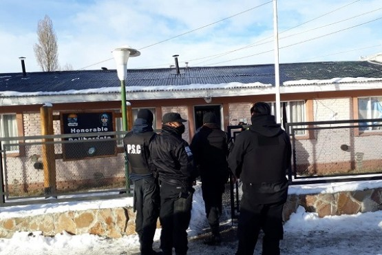 Hubo sesión que se interrumpió por el allanamiento y luego continuó (Foto: Patagonia Nexo Noticias)