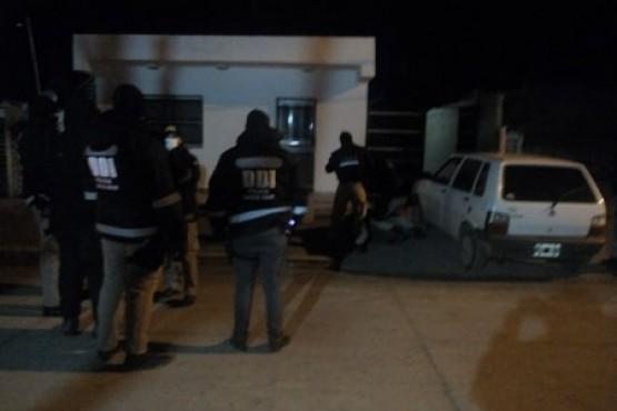 En allanamientos secuestran droga, armas y dinero en efectivo