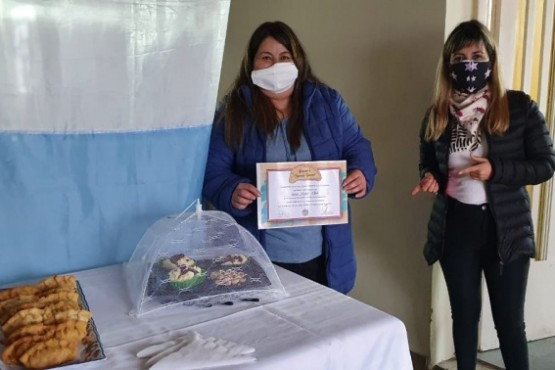 """Tres vecinas ganaron el concurso """"Buscando la Empanada Rawsense"""""""