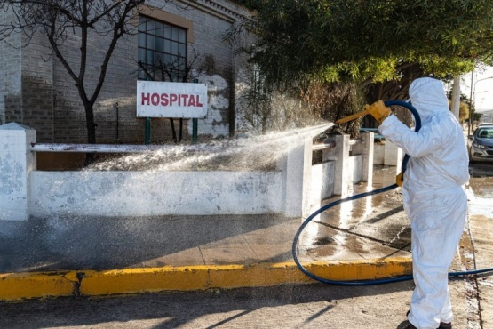 Municipio continúa con el plan de desinfección de espacios públicos