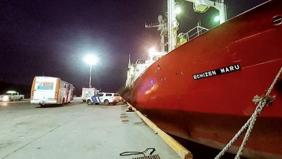 57 de 61 tripulantes de un pesquero dieron positivo de Covid-19