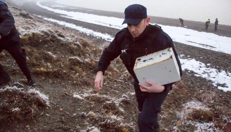 Encuentran una caja fuerte en la costanera