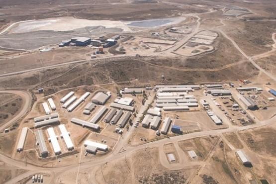 Minera Santa Cruz niega tener caso positivo en su yacimiento