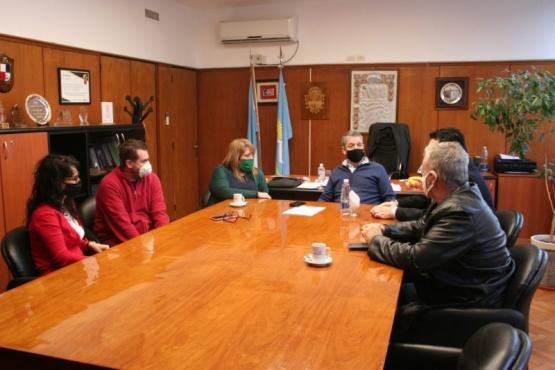 Comerciantes acuerdan trabajo conjunto con el Banco del Chubut