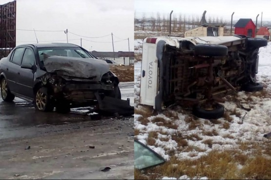 El Chevrolet Astra y la camioneta tras el choque (Fotos: C.Robledo).