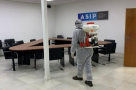 Tareas de desinfección y sanitizacion de las instalaciones de la ASIP