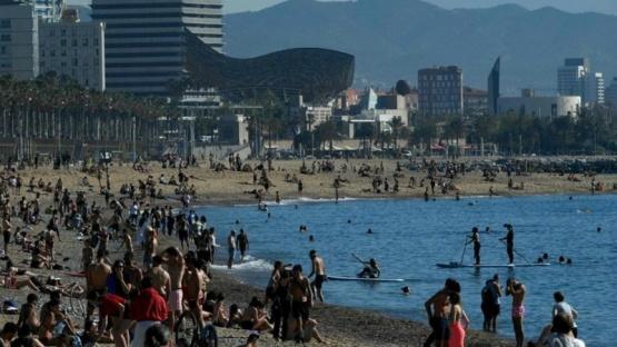 Por un rebrote, anticipan un posible nuevo confinamiento para Barcelona