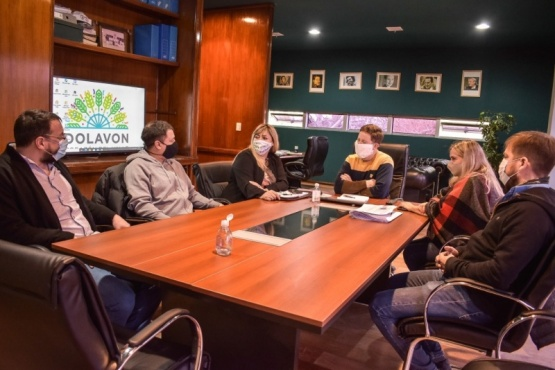 Bowen recibió a Baskovc quien trabaja en el proyecto para la Ley de Emergencia Turística