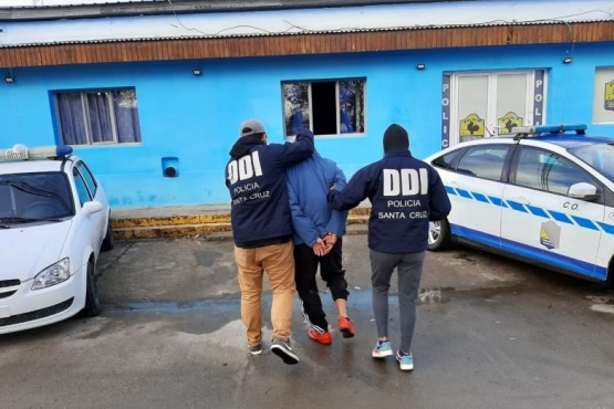 Sospechoso trasladado hasta la dependencia policial