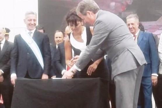 Se publicó en el Boletín Oficial la baja de designaciones hechas por Otarola