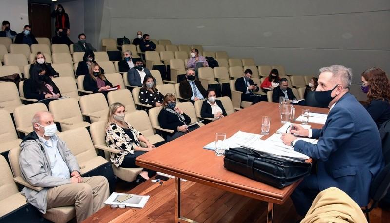 Antonena dio detalles del proyecto de reestructuración de deuda