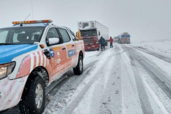 Rutas siguen cortadas por el temporal de nieve