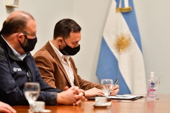Trelew firmó convenio con Petrominera por garrafas sociales
