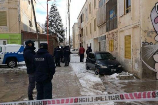Brutal crimen: lo encontraron muerto con más de 100 puñaladas y mutilado