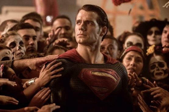 Revelan cómo es el traje negro de Superman en la nueva Liga de la Justicia