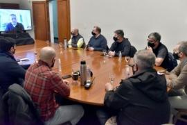 Arcioni se reunió con el COE y decidió que se constituya en la zona afectada para brindar asistencia
