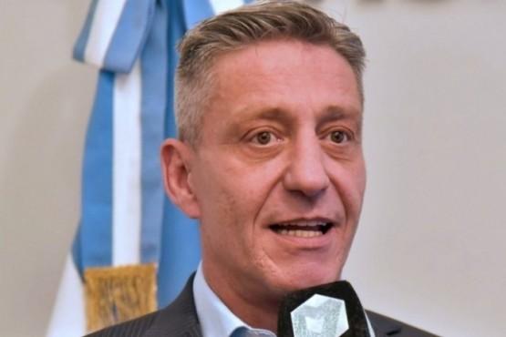 Arcioni se reunió con referentes gremiales y de la Cámara de Servicios Petroleros