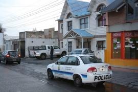 Dos detenidos por el robarle a una mujer 50 mil pesos