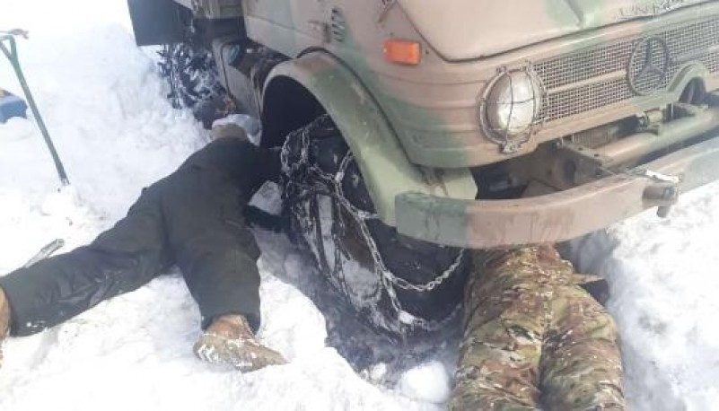 Complicaciones para llevar la asistencia por la nieve.
