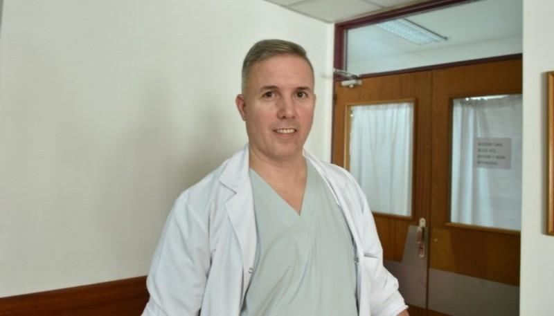 Dr. Daniel Covas.