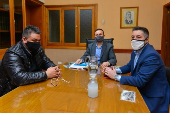 El intendente se Maderna reunió con el sector camionero