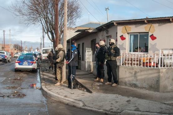 Vivienda allanada por el personal policial en horas de la tarde. (Foto: L.F.)