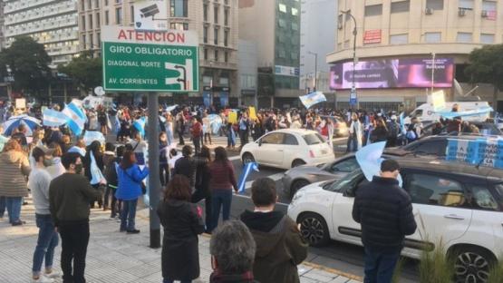 Marcha en el Obelisco para protestar contra la reforma judicial