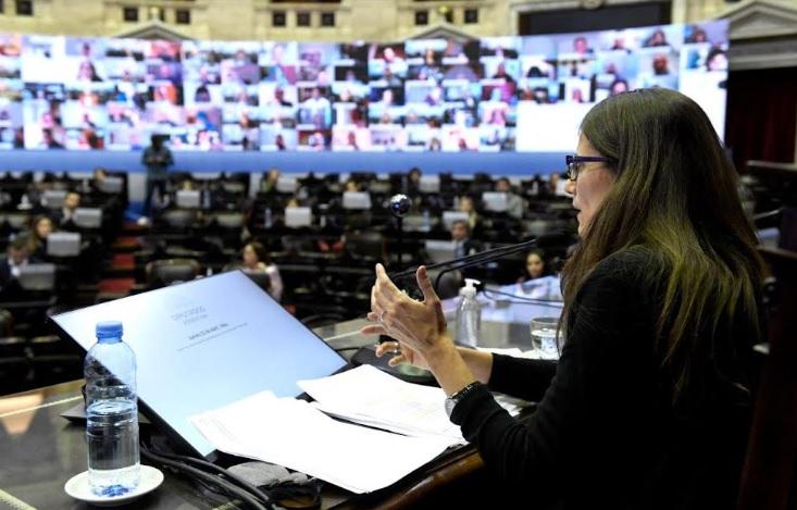 Más de 1.400 funcionarios fueron capacitados en género, entre ellos el Presidente