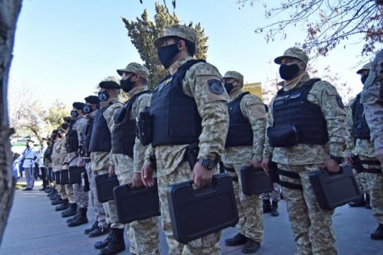Arcioni entregó armamento especial a la Policía provincial